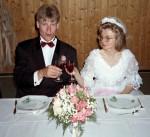 Skål. Lykkelig ektepar