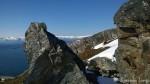 Samme stein som forrige bilde, men med Melkøya i midten