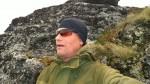 Vindfullt på toppen, så æ fant mæ le bak en bergknaus.