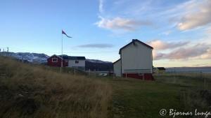 Elvehuset, syns det ble stilig med flaggstang og vimpel