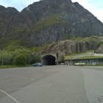 Siste tunnel på vegen, Åtunnelen og etter at man har kjørt gjennom stoppet veien.