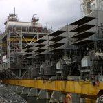 Hele operasjonen varte rundt 40 min. og når den er på plass, er neste fase å fylle ballasttankene