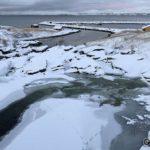 Tross mye frost i det siste klarer han ikke å fryse helt igjen elva