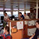 Av og til så var tv'en bedre i rorhuset og en dag var det fotballkamp og alle trakk opp til skippern