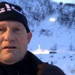 En selfie med hjertelyset som noen fikk ordnet i fjellsiden over gravlunden