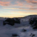 Kokelvfossen og himmelen blir lysere og lysere dag for dag