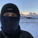 At det var jævla kaldt ute, er lett å se, tubeskjerfet frøs til is der æ pusta ut