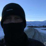 På tur mot Russelva ble vinden såpass kald at æ måtte gjøre dette