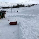 Ser kanskje ikke så ille ut, men snø som er kastet dit av brøytebilen er hardere