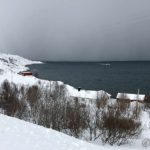 På tur til Masterelv og både båten til NSR og snøbyger er på tur inn