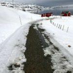 Det lønte sæ å strø sand i bakken, snøen smelter fort nå