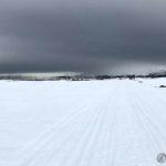 En tett byge ute ved Lillefjord, og den holdt sæ der ute