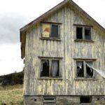 Trasig å se at hus råtne på rot, ikke lenge igjen før huset på Storjord ramle sammen