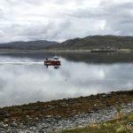 """En av NRS sine mange båter, her """"Anne Gro"""", på tur mot kai"""