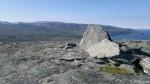 På toppen av Russefjellet, kor det er en bitte liten varde.
