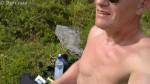 Nesten ned ved fjorden, nu tid for inntak av fast føde også.