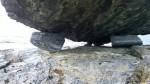 Små steiner støtter en stor.