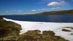 Enda en god del snø i fjellet og rundt vannene
