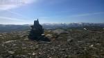 På toppen av fjellet som æ så, måtte jo sette opp en varde, siden det er grensa mellom Kvalsund og Måsøy