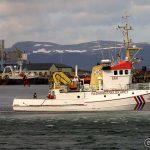 I dag var det oppvisning på sjøredning under Hammerfestdagene, mens Blue Marlin ruver i bakgrunnen.