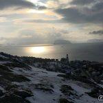 Kirka og øya Håja på linje