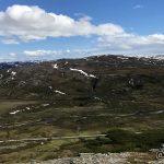 Veien opp Russelvdalen og langt der borte er Gárdevárri