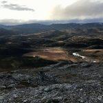 Utsikt mot veiens ende i Kokelvdalen