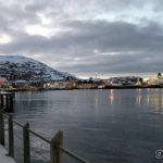 En stille by, kun hurtigruta MS Polarlys sørger for litt liv på havna og turister i byen