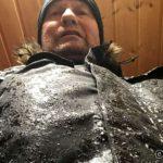 Endelig hjemme, sår og øm både på armene, på ryggen og på rumpa, og isen på jakka smelter