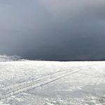 Starta nedover Kokelvsletta og det ser mørkt ut ute på Revsbotn