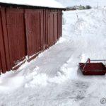 Ikke så mye snø foran garasjen/fjøsen i dag