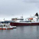 MS Nordlys og brønnbåten Dønnland ved D/S-kaia