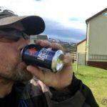 Hjemme og tar mæ en velfortjent øl inntas, og hvorfor tok æ ikke av mæ jakka