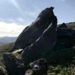Storsteinen på baksiden (sett fra Kokelv) av Russefjelltoppen