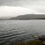 Regn, men foreløpig lite vind, bildet tatt fra Masterelv