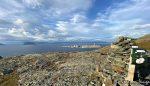 På Vardfjellet og det ser rolig ut på Melkøya, sikkert lang tid med reparasjoner etter brannen