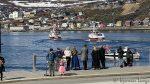 Et par av båtene i kolonnen skynta sæ tilbake til kaia på Fuglenes